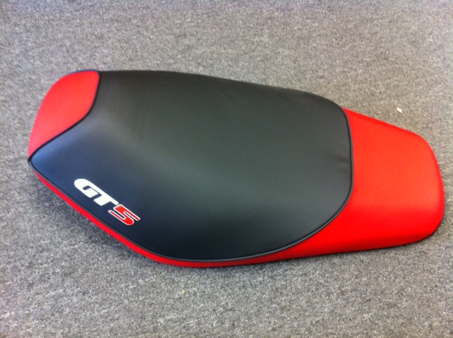 Seat for Vento Triton R4 Red Item 2658